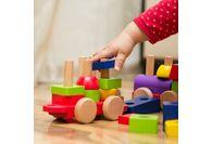 Les questions à se poser avant d'acheter les premiers jouets pour bébé