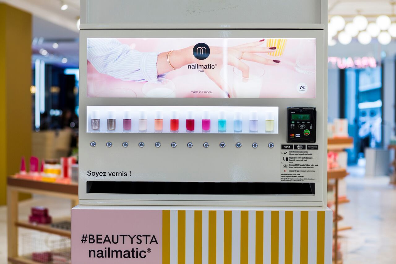 Distributeur automatique de vernis
