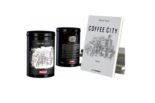 Profiter d'un délicieux café et d'une histoire de science fiction